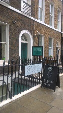 Restaurants Near Charles Dickens Museum