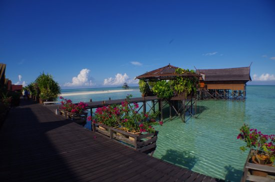 View from kapalai dive resort towards abu sayyaf territory - Kapalai dive resort price ...