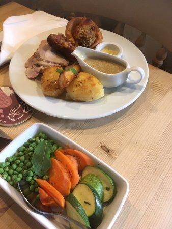 The Old Eden : Sunday roast pork mmmm