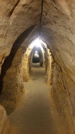 Brihuega, Spain: Pasadizos y tinajas