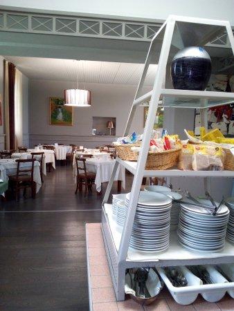 Santa Vittoria d'Alba, Italia: Breakfast room