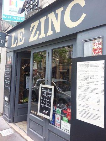 Le Zinc: Façade du ZINC