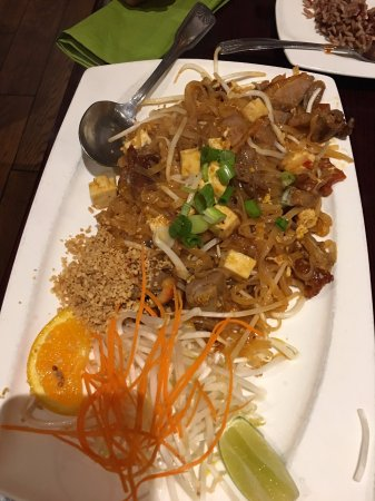 Vacaville, CA: Pad Thai noodle with duck