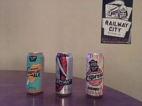 Tillsonburg, Canada: Local Brewery in St. Thomas-Railway City products.