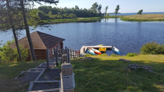 Pictou Lodge Beachfront Resort: Canoes and Paddle Boats