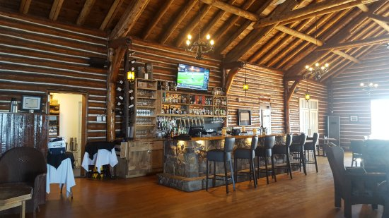 Pictou Lodge Beachfront Resort: Bar
