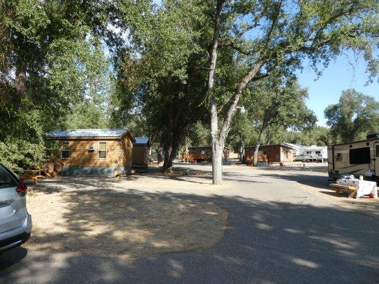 Ahwahnee, CA: Cabin von aussen