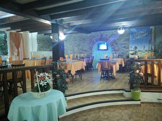Restaurant le jardin des saveurs dans amelie les bains for Restaurant avec jardin dans le 92