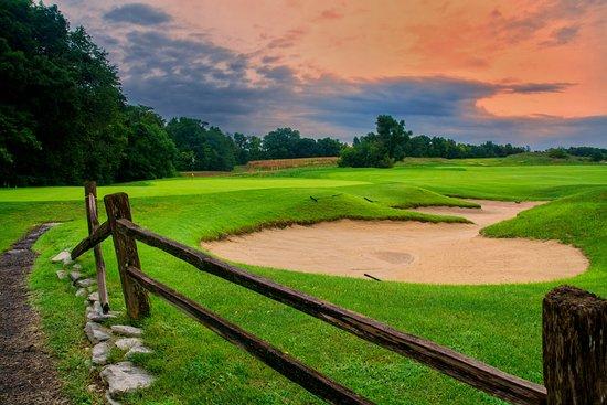Waterloo, IL: Hole #12 Green - Par 4 - 321 yards