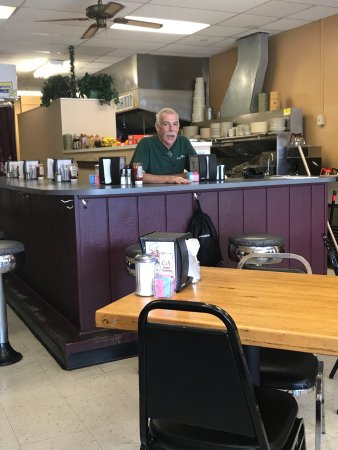Folsom, PA: Mr. Ryder the Owner