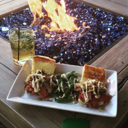 Stratton Mountain, เวอร์มอนต์: Summer dining on our patio