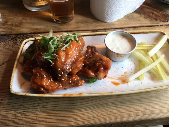 Witley, UK: Chicken wings