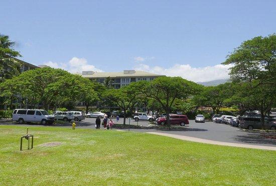 Kahekili Beach Park: Nice park with plenty of parking