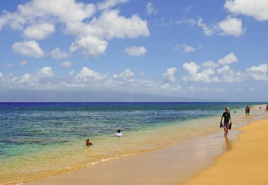 Kahekili Beach Park: long sandy beach