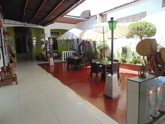 Hotel La Casona Iquitos: Patio central