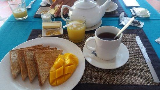 Island Jewel Inn: Petit-déjeuner