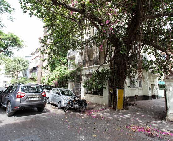 Bentley S Hotel Mumbai Hotel Reviews Photos Rate