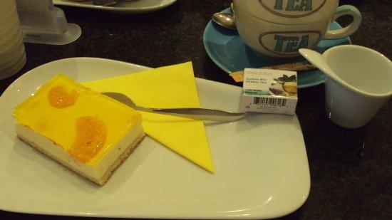 Saalfeld, Germany: Leckerer Kuchen, hier Mandarine-Schmand