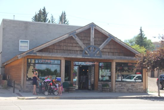 Shelby, MT: Fieldstone Mercantile