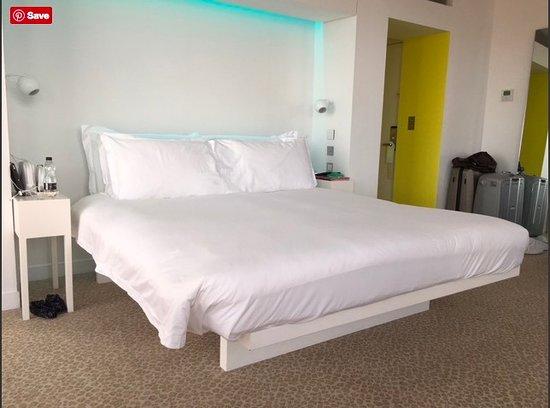 St Martins Lane London Hotel : bed room