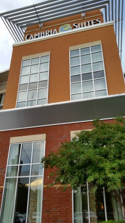 Cambria hotel & suites Raleigh-Durham Airport: Front of Hotel