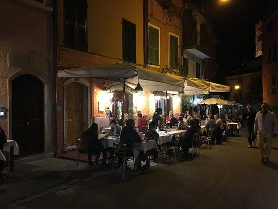 Ristorante Al Pozzo : View of the outdoor dining area