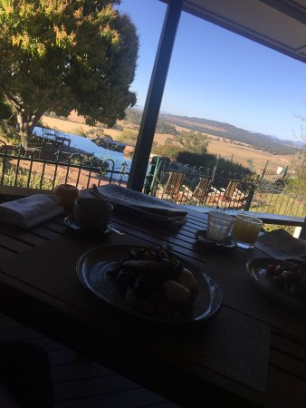 Grandchester, Australia: Dinner and breakfast