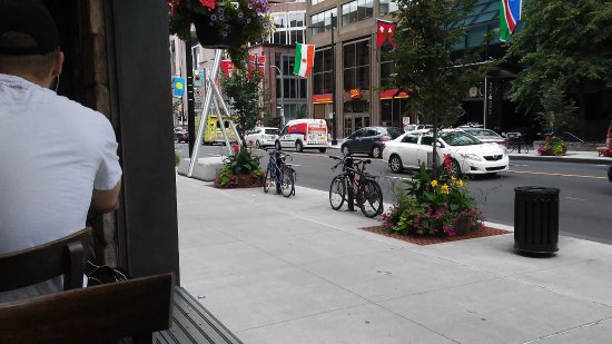 Quiet Cafe On Rue Sherbrooke