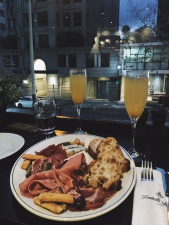 Fratelli Fresh, Potts Point: terrible cheese and meat platter