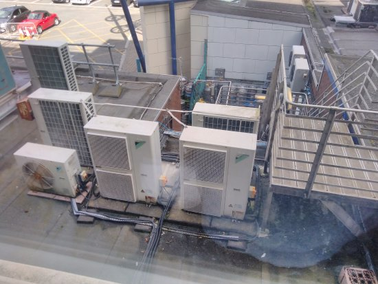 Best Western Palace Hotel & Casino: Directly outside the window noisy AirCon units