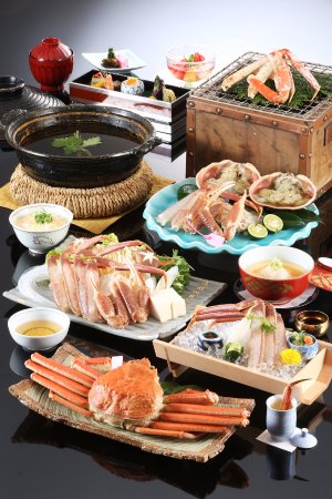Kinosaki Onsen Nishimuraya Hotel Shogetsutei: Matsuba crab full course kaiseki dinner (avail: Nov 7 - Mar 20)