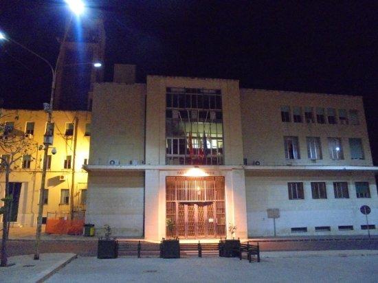 Il palazzo di città by night