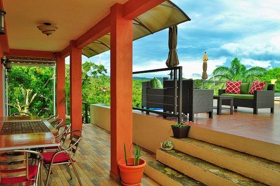 Nuevo Arenal, Costa Rica: Porch and Terrace area
