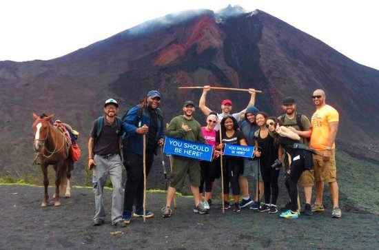 Pacaya Volcano Tour och Hot Springs ...