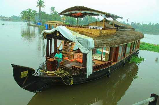 Kochi Private Tour: Overnatting...