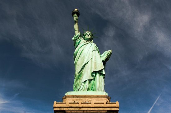 Statue of Liberty Early-Access and Ellis Island Tour