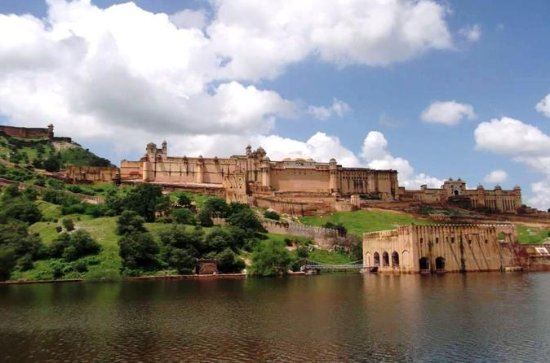6-Night Rajasthan Palace and Forts...