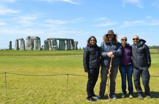 Full-Day Stonehenge and Avebury Tour...