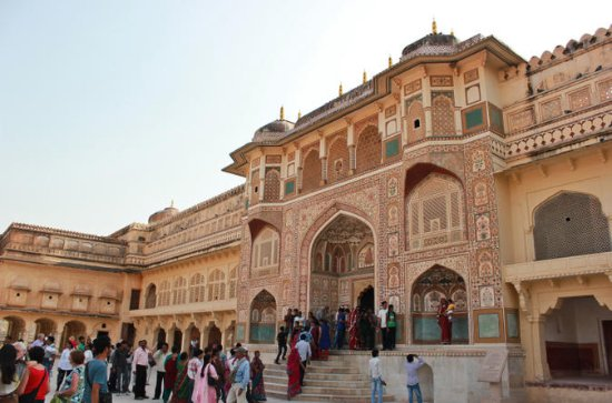 Private Full-Day Tour to Jaipur from...