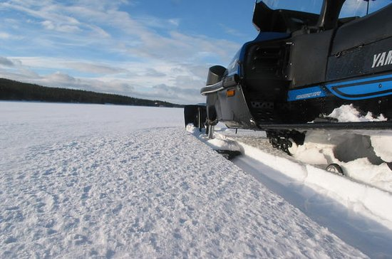 3-Day Snowmobile Expedition in...
