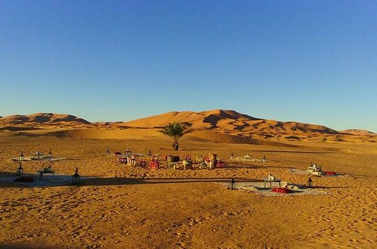 Luxus-VIP-Camp in Desert Dunes Erg...