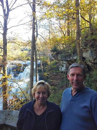 Sagamore Hills, OH: Brandywine Falls in the Autumn Time