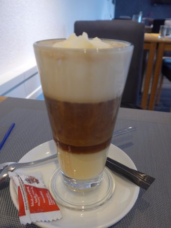 Belp, สวิตเซอร์แลนด์: Spez. Kaffee