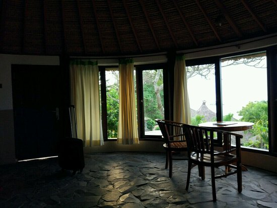 Coconuts Beach Resort: kamar