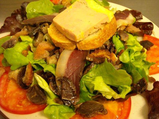 Masseube, Frankrike: Salade gourmande de canard