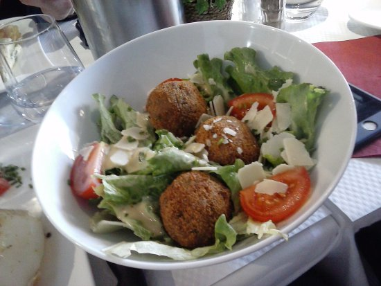 Mantes-la-Jolie, France: salade très sympa