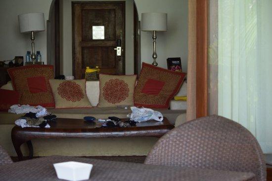 Swahili Beach Resort: Executive Suite sitting room