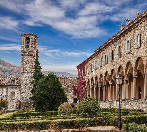 Bobbio, Italië: Complesso delle Grazie adiacente il Porticato ed i giardini dell'Abbazia di San Colombano