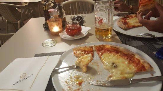 Stalden, Switzerland: Pizza de quesos