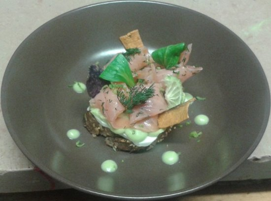 Saint-Romain-d'Ay, France: saumon et creme de feve
